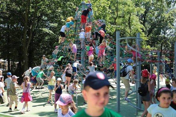 Skierniwice - otwarcie placu zabaw w parku