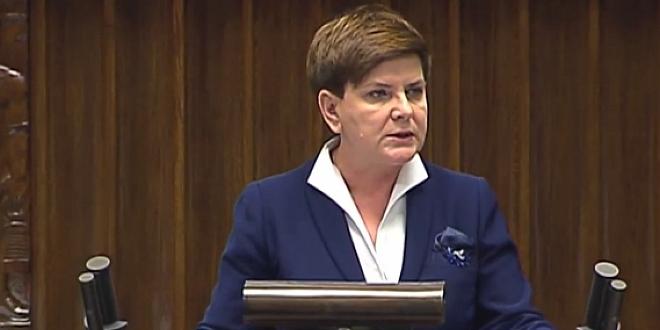 Sejm przyjął program 500+. Tuż po głosowaniu na sali zgasły światła